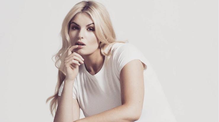 Irskou modelku Louise O'Reilly trápily cysty na vaječnících